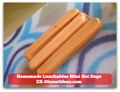 Homemade Lunchables Mini Hot Dogs - 2-3 meat hot dogs