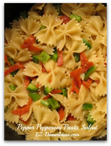 Pepper Pepperoni Pasta Salad - This meal idea salad is like a mini-anti-pasta pasta.
