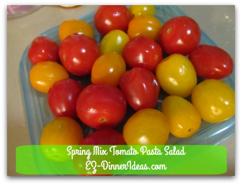 Spring Mix Tomato Pasta Salad - Put grape tomatoes on a container lid with rims
