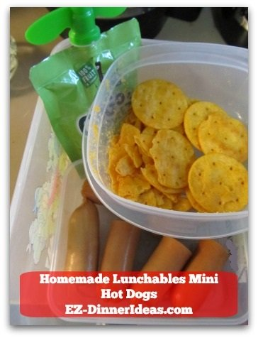 Homemade Lunchables Mini Hot Dogs - Pair it with apple sauce and cheese crackers