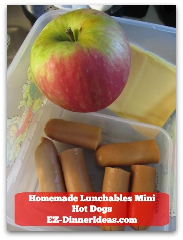 Homemade Lunchables Mini Hot Dogs - Pair it with apples and cheese